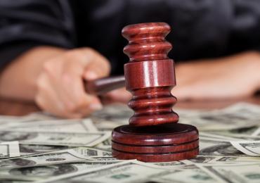 Суд списал долги клиенту МФО