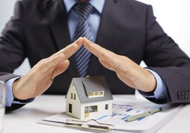ЦБ РФ предупреждает о кредиторах, отнимающих квартиры у заемщиков